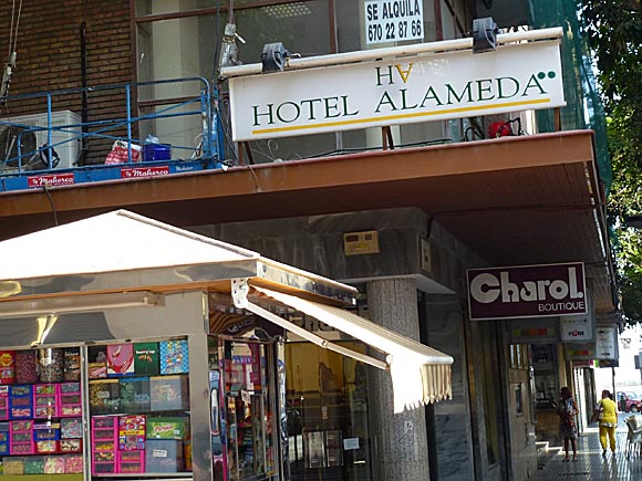 MA¦üLAGA Hotels Hotel Alameda- not quite sure about this one it seems to be an 8th floor apartment and little more - 2