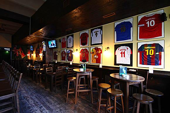 Sport Bars - Half Time - 1