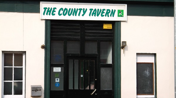 DingCountyTavern1
