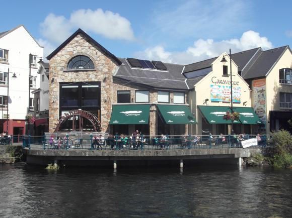 SK_Sligo_town_pubs_garavogue01